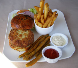 Jumbo Lump Crab Cake - Logan Inn, New Hope, PA, USA - Photo by Luxury Experience